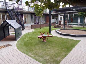 Locatie Crooswijk heeft een nieuwe tuin
